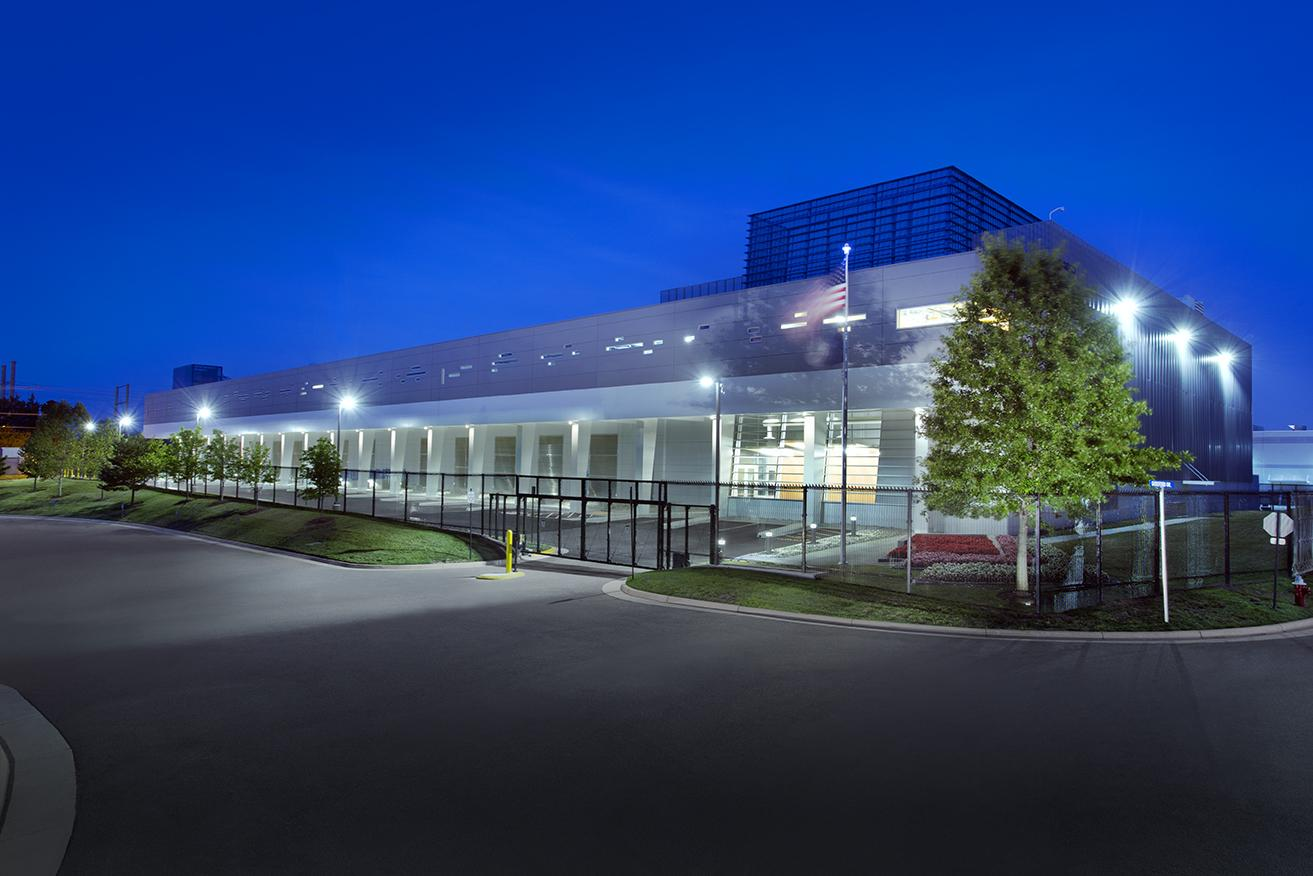 Ragingwire Colocation Data Center 44610 Guilford Drive