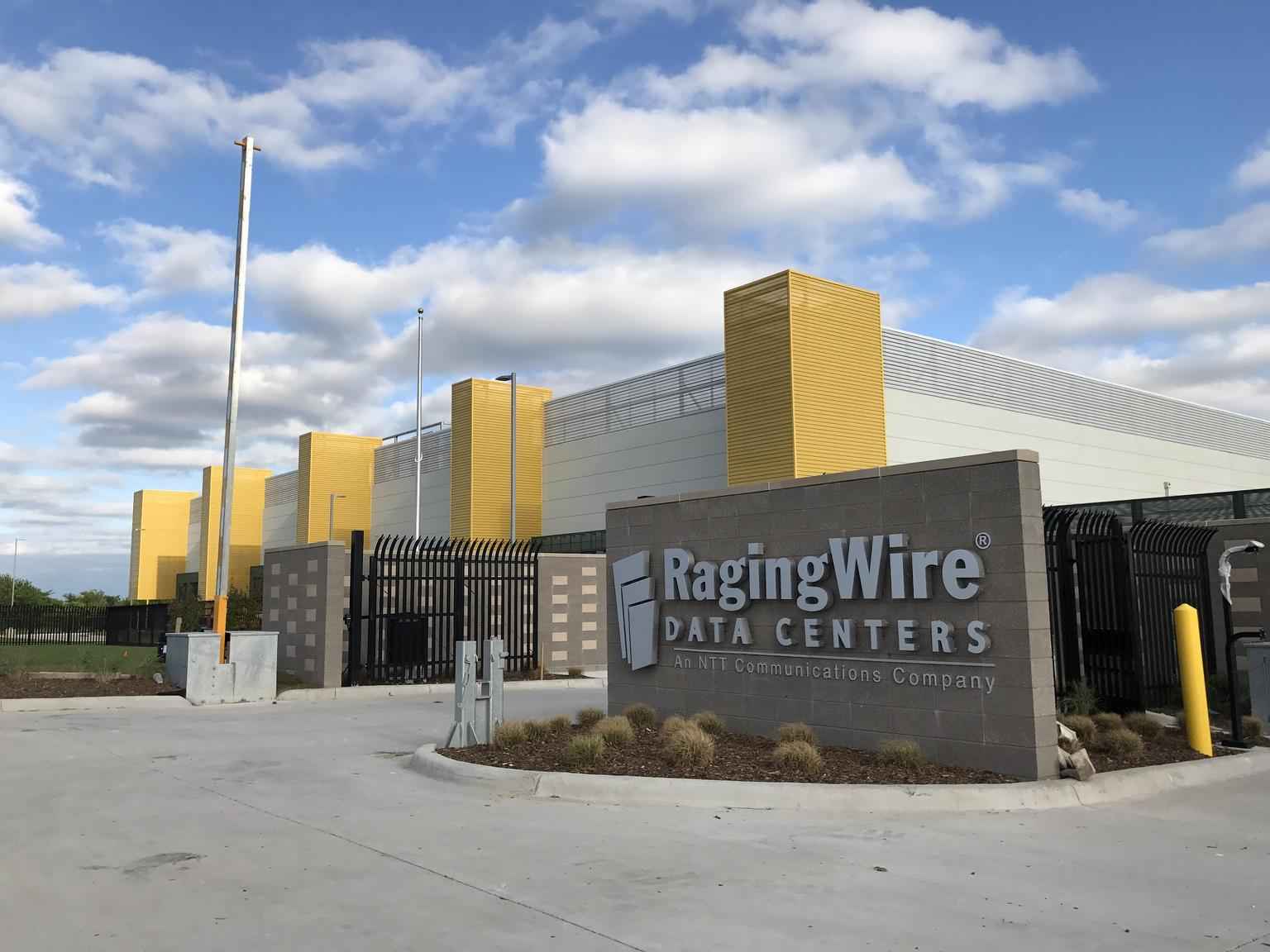 Ragingwire Colocation Data Center Tx1 2008 Lookout Drive Garland